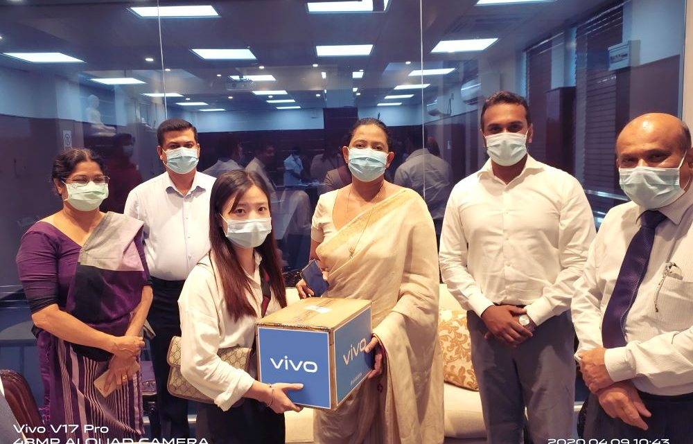 vivo donates LKR 1 million worth surgical masks to the Sri Lankan Ministry of Health
