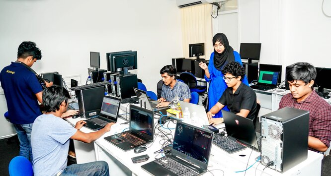 First-ever virtual IIT Cutting Edge showcases innovative IT and business solutions of students