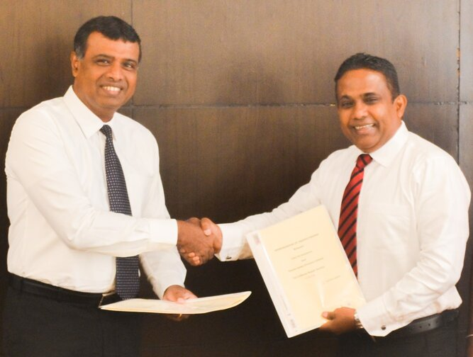 Toyota Lanka partners with LOLC General Insurance to offer automotive collision repairs & restoration